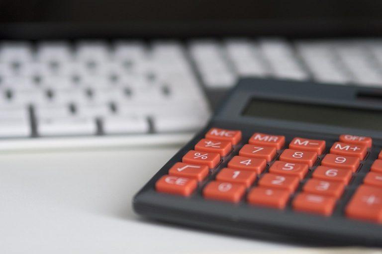 Nasz drogi rok 2020: czy klienci zapłacą za droższy prąd dla biznesu?