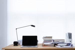 Nowoczesne lampki na biurko